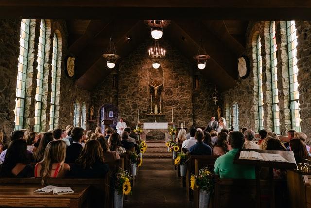 Hur mycket ska man lägga på en bröllopspresent?